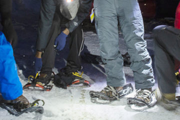 SnowShoeing_Night_LivOutside